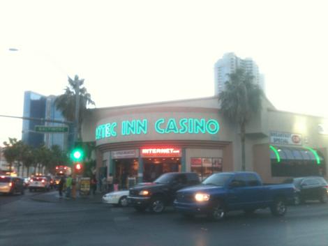Outside Aztec Inn: Point E